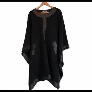 One of a kind designer cape (Barilá)